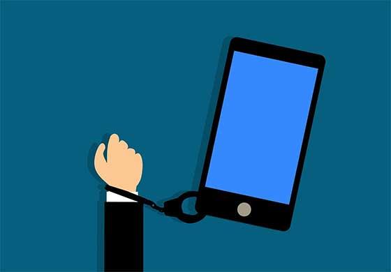 smartphone-controverse-numerique-association-camptic